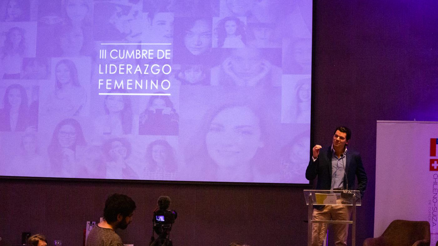 http://www.swisschile.cl/wp-content/uploads/2019/06/III_CUMBRE_LIDERAZGO_FEMENINO_Visibles_cl-45.jpg